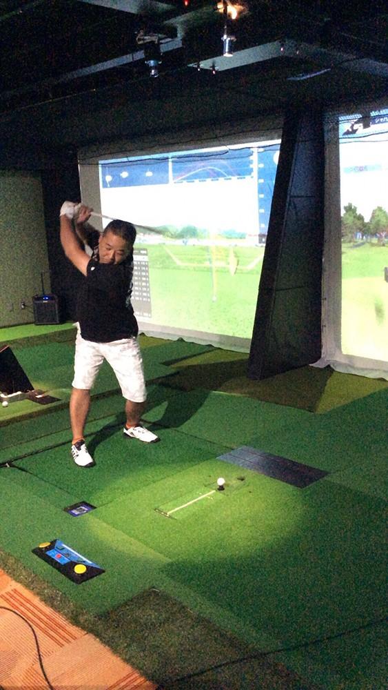 第二回阿波座スポーツゴルフ倶楽部シミュレーションゴルフコンペの様子